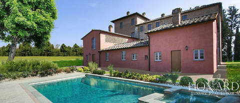 charming hamlet for sale in the province of siena