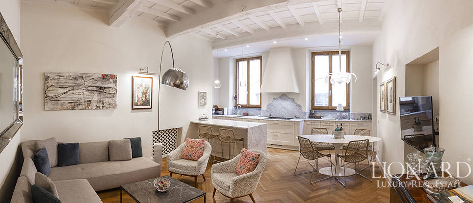 Prestigious apartment in Florence
