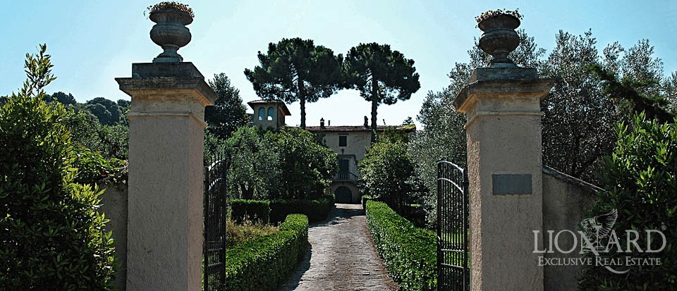 villas in tuscany luxury real estate for sale italy