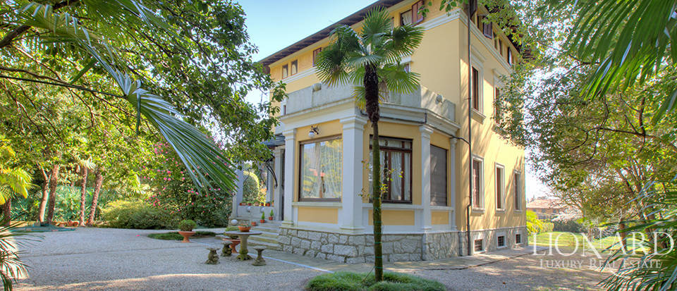 Historical estate for sale by Lake Maggiore Image 1