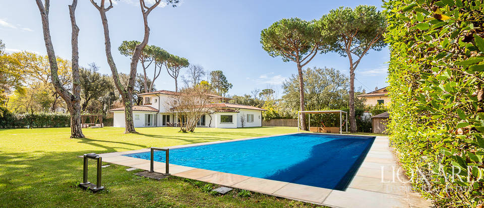 luxury property for sale in forte dei marmi