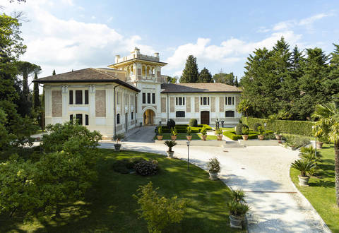 prestigious_real_estate_in_italy?id=2381
