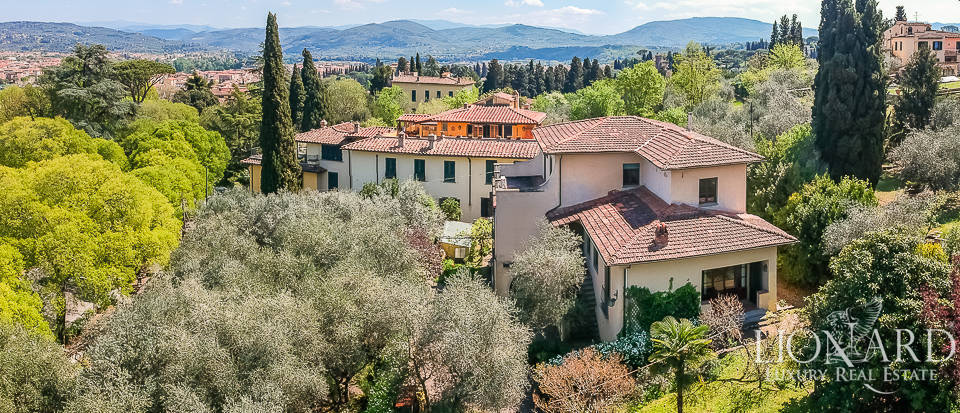 wonderful villa with a view of the cathedral for sale in florence