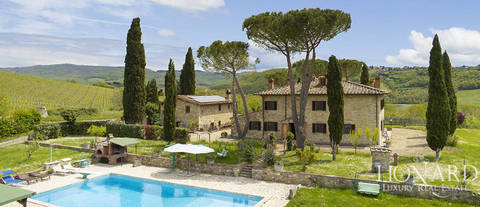 tuscan villa with outbuilding in chianti