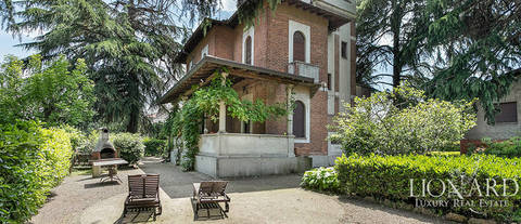 villa for sale in province of monza e brianza