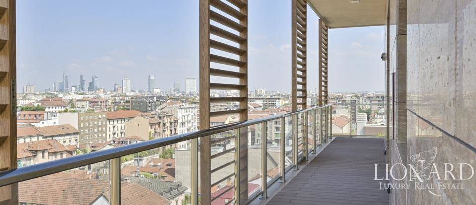 Panoramic penthouse with a view of Milan