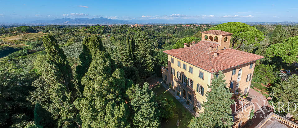 italy villas for sale luxury real estate tuscany