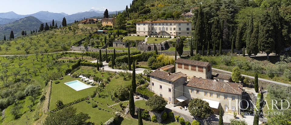 stunning property for sale near lucca