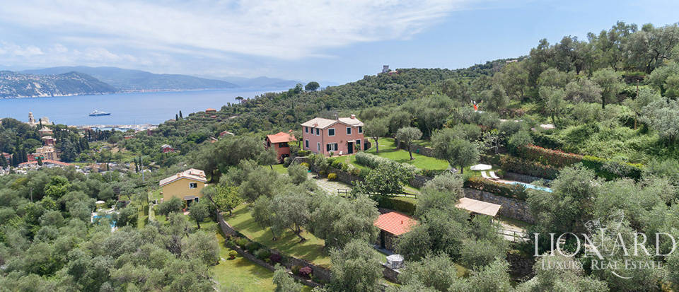 Stunning property overlooking the Ligurian sea Image 1
