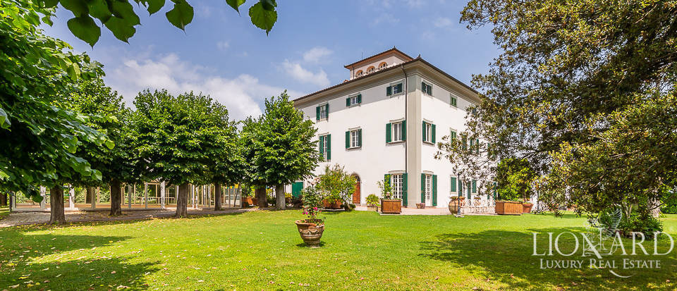 Wonderful 18th-century villa for sale in Quarrata Image 1
