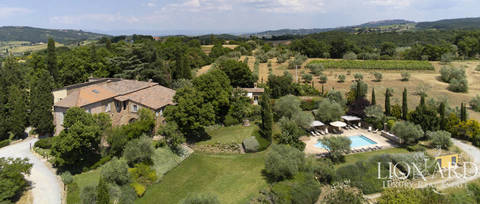 wonderful agritourism resort for sale near pienza