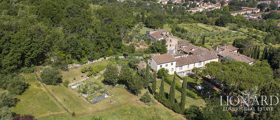 Stunning villa for sale in Pozolatico, Florence Image 1