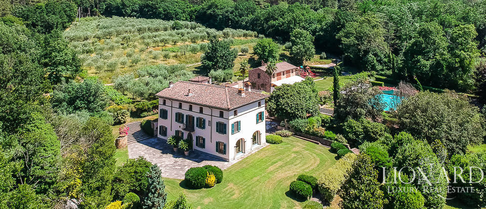 Luxury villa surrounded by Lucca