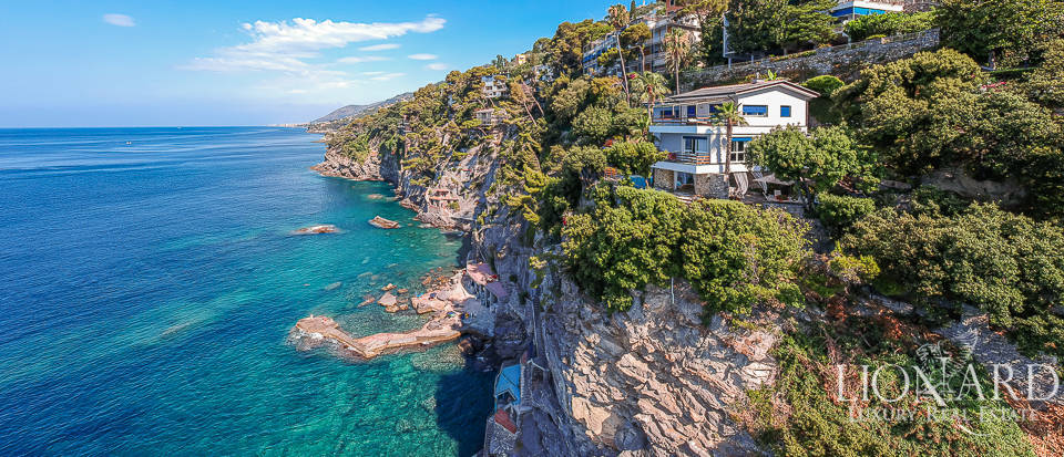 Wonderful villa by the sea for sale near Portofino Image 1