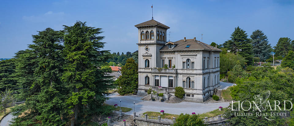 Art-Nouveau-style property for sale in the province of Como Image 1