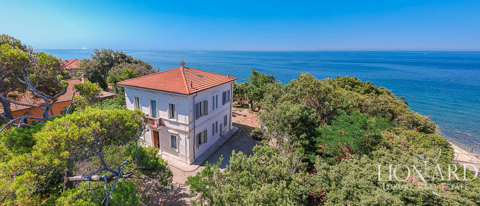 Luxury villa for sale near Castiglioncello Image 1