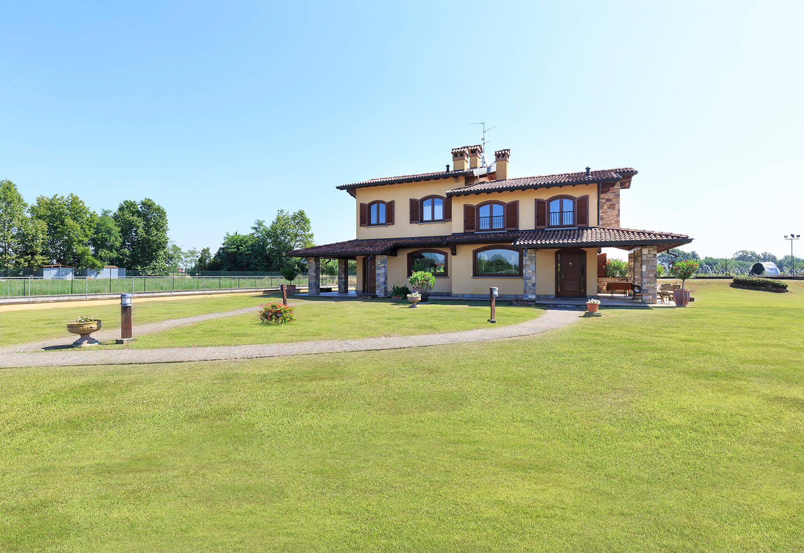 luxury villa for sale bergamo 1