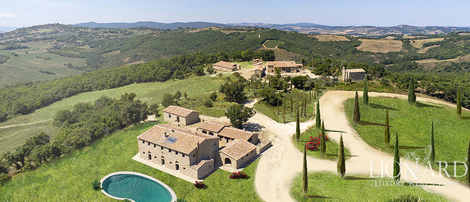 Luxury estate for sale in Chianti