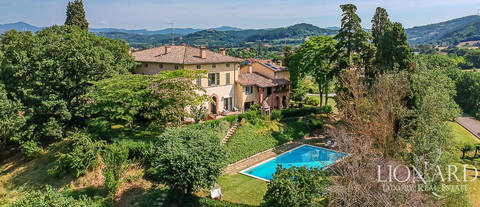 luxury villa pool for sale in perugia umbria