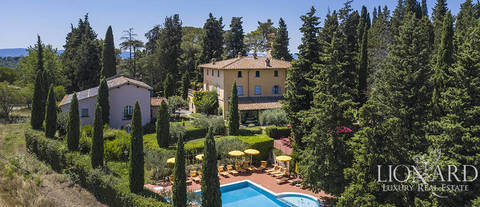 villa with pool chianti montespertoli