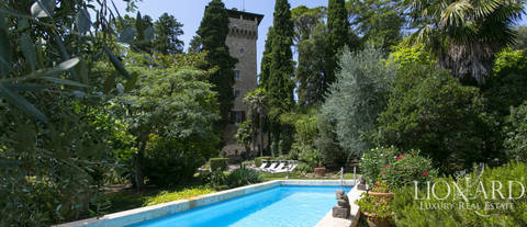 wonderful castle for sale in siena
