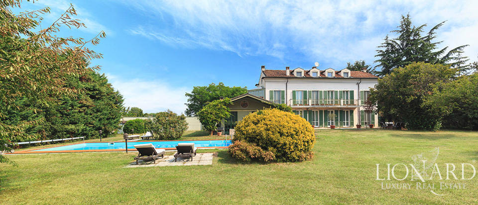 Luxury estate for sale in Novara Image 1