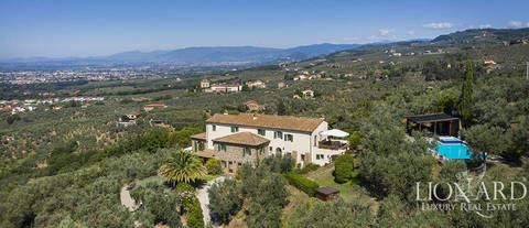 Tuscan farmstead for sale in pistoia tuscany