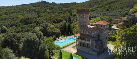 prestigious castle for sale in the province of arezzo