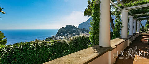 luxury villa for sale in capri 1