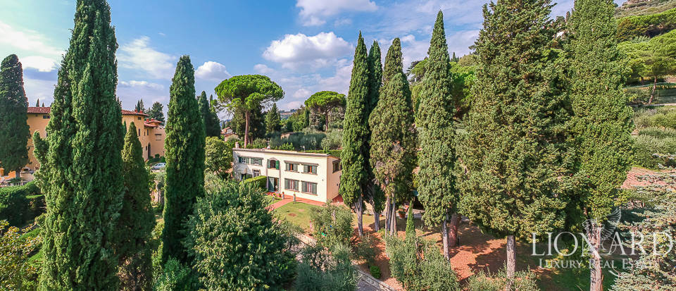 Historical villa with a view over Florence for sale Image 1