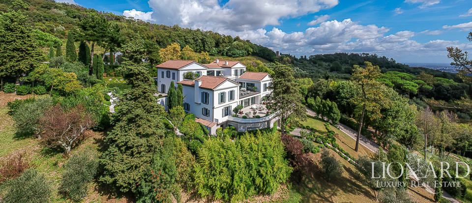 Exclusive luxury villa on Lucca