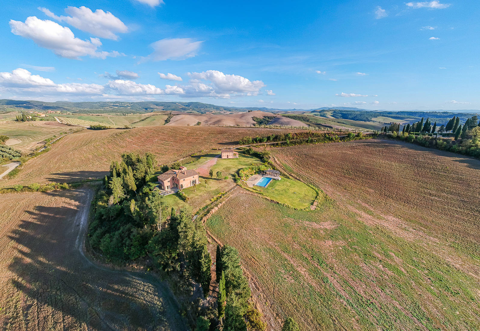 farmhouse for sale in the province of pisa
