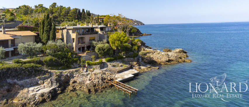 Villa with private access to the sea in Monte Argentario Image 1
