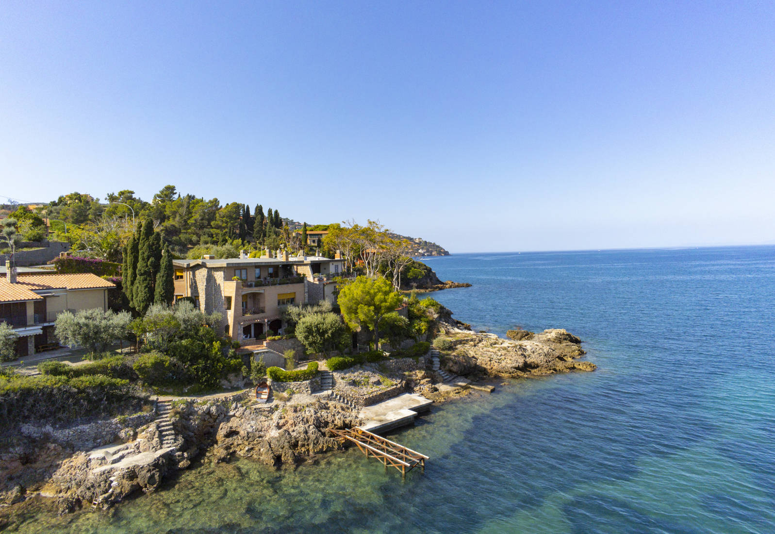 villa with private access to the sea in monte argentario