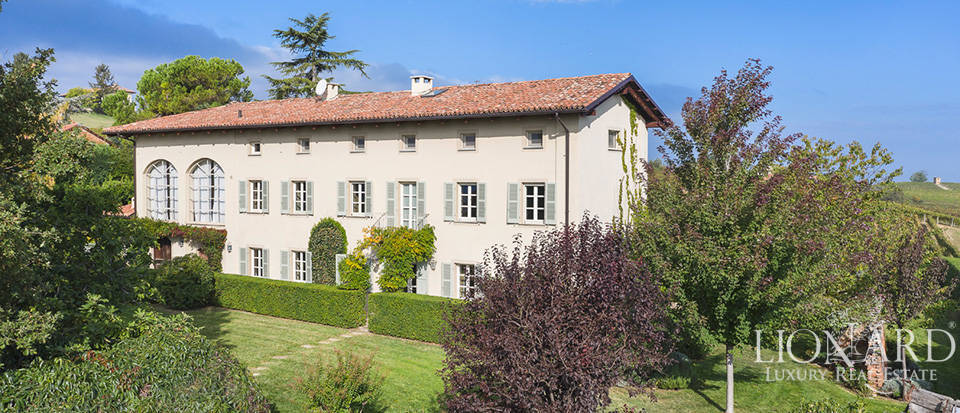 Villa with panoramic view of Piedmont