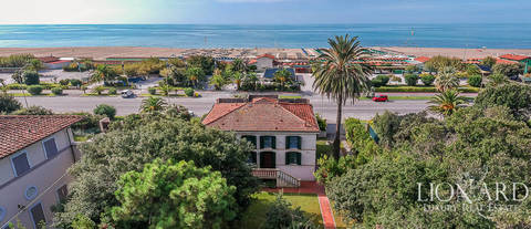 sea front luxury villa for sale in forte dei marmi