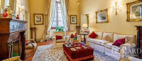 high end apartment with frescoes florence