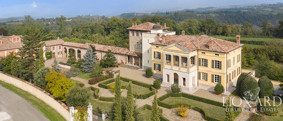 Wonderful estate for sale near Parma Image 1
