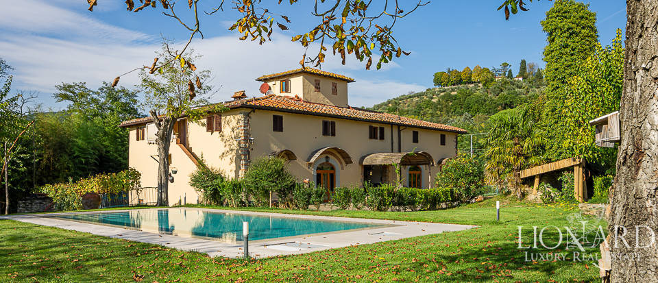 Luxury villa for sale at the outskirts of Florence Image 1