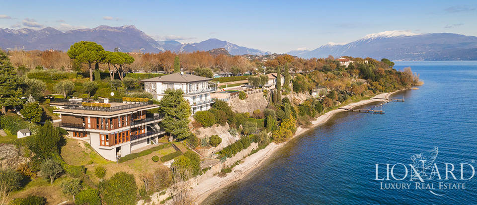 Luxury villa overlooking Lake Garda Image 1