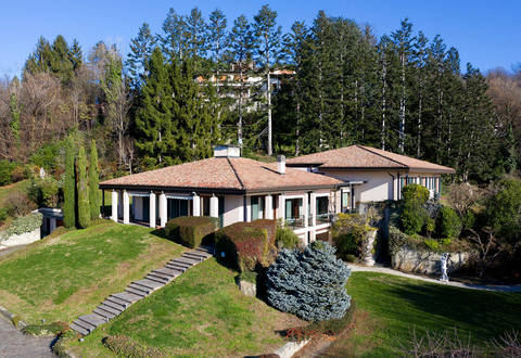 luxury house in brianza sales