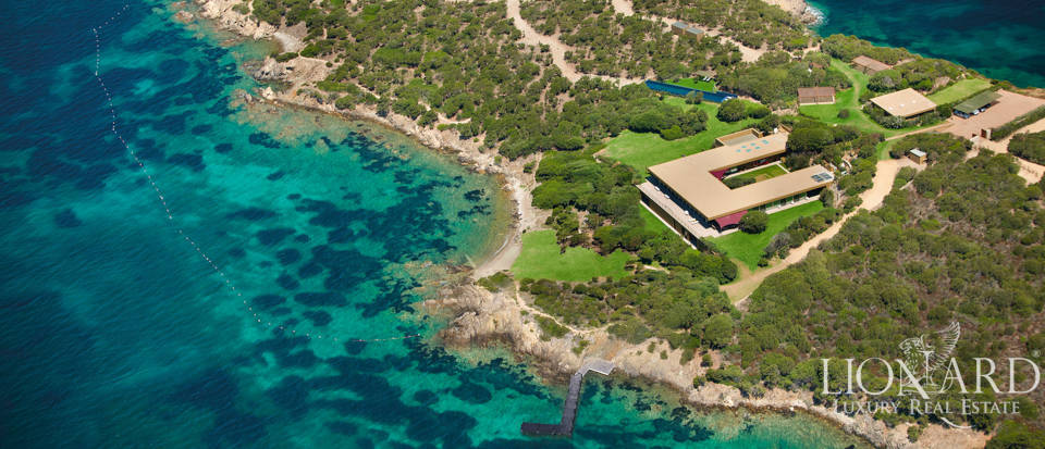 Exclusive villa for sale in Costa Smeralda Image 1