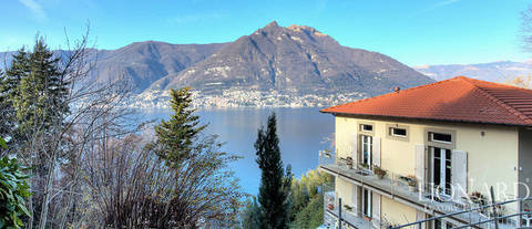 elegant villa for sale in the province of como