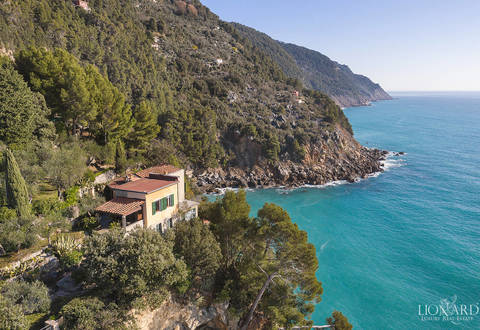 luxury villa dropping sheer down to the sea in lerici