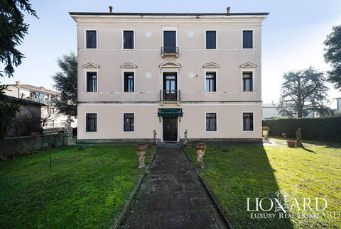 prestigious_real_estate_in_italy?id=2714
