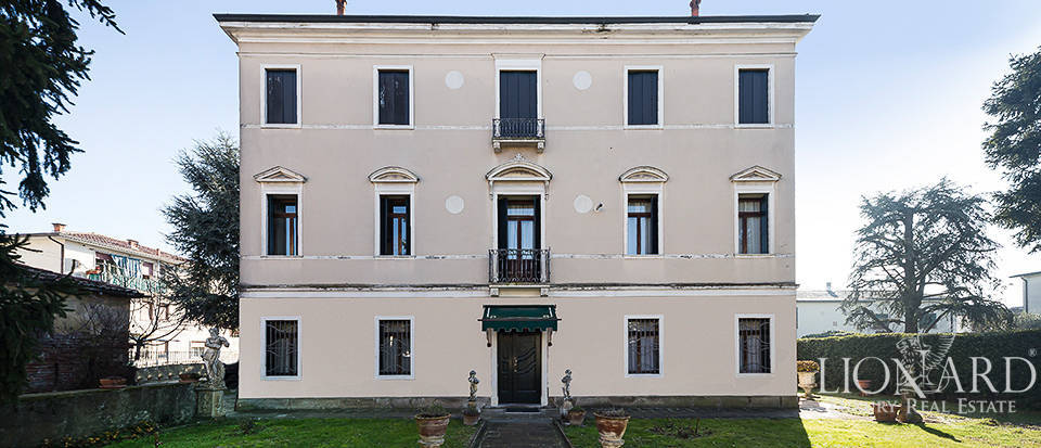 Elegant Art-Nouveau villa in the province of Padua Image 1
