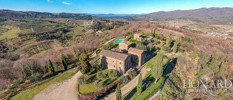 wonderful luxury farmstead for sale in greve in chianti