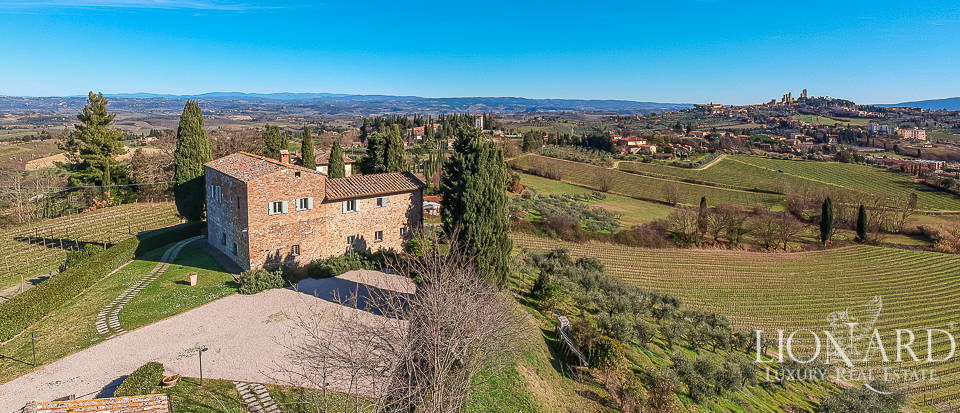 Stunning agritourism resort with a view of San Gimignano Image 1