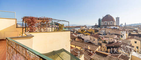 wonderful penthouse for sale in florence 1