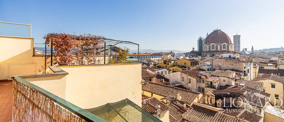 Wonderful penthouse for sale in Florence Image 1